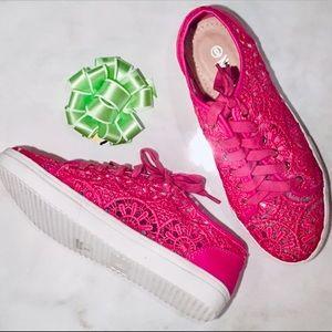🆕 NIB 💕 Lace Sneakers